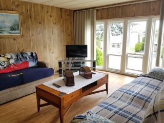 """Photo 3: 41 2120 KING GEORGE Boulevard in Surrey: King George Corridor Manufactured Home for sale in """"Five oaks"""" (South Surrey White Rock)  : MLS®# R2407054"""