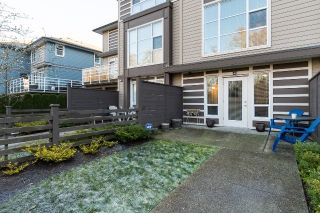 """Photo 2: 40 15405 31 Avenue in Surrey: Grandview Surrey Townhouse for sale in """"Nuvo 2"""" (South Surrey White Rock)  : MLS®# R2018076"""