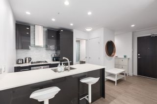 """Photo 2: 3604 1283 HOWE Street in Vancouver: Downtown VW Condo for sale in """"Tate Downtown"""" (Vancouver West)  : MLS®# R2593804"""
