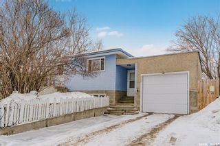 Photo 1: 325 Witney Avenue South in Saskatoon: Meadowgreen Residential for sale : MLS®# SK842561