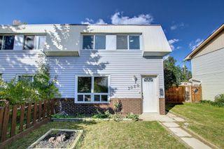 Photo 2: 3020 Dover Crescent SE in Calgary: Dover Semi Detached for sale : MLS®# A1147762
