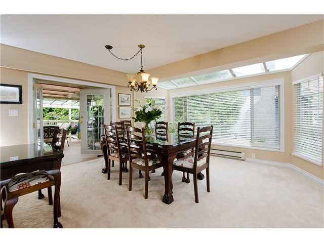 """Photo 3: Photos: 1675 58A Street in Tsawwassen: Beach Grove House for sale in """"BEACH GROVE"""" : MLS®# V1062770"""
