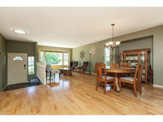 Photo 2: 13329 98 AVENUE in Surrey: Whalley House for sale (North Surrey)  : MLS®# R2376461