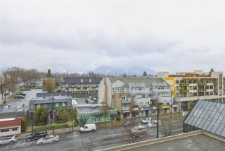 """Photo 5: 604 3920 HASTINGS Street in Burnaby: Willingdon Heights Condo for sale in """"INGLETON PLACE"""" (Burnaby North)  : MLS®# R2359102"""