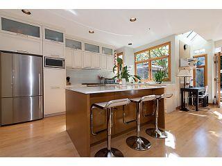 Photo 8: 2668 W 6TH Avenue in Vancouver: Kitsilano 1/2 Duplex for sale (Vancouver West)  : MLS®# V1029055