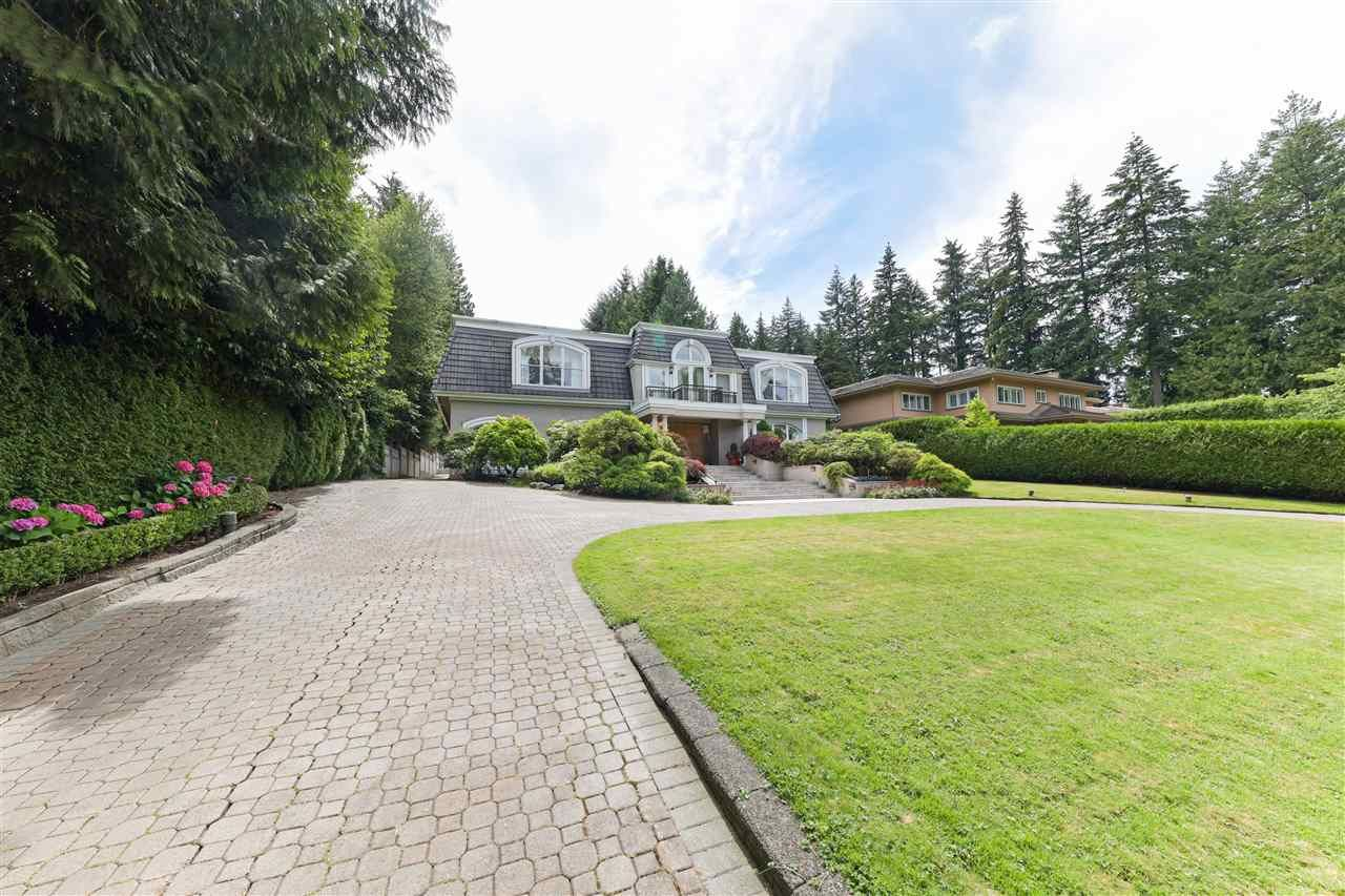 Photo 4: Photos: 4768 DRUMMOND Drive in Vancouver: Point Grey House for sale (Vancouver West)  : MLS®# R2480658