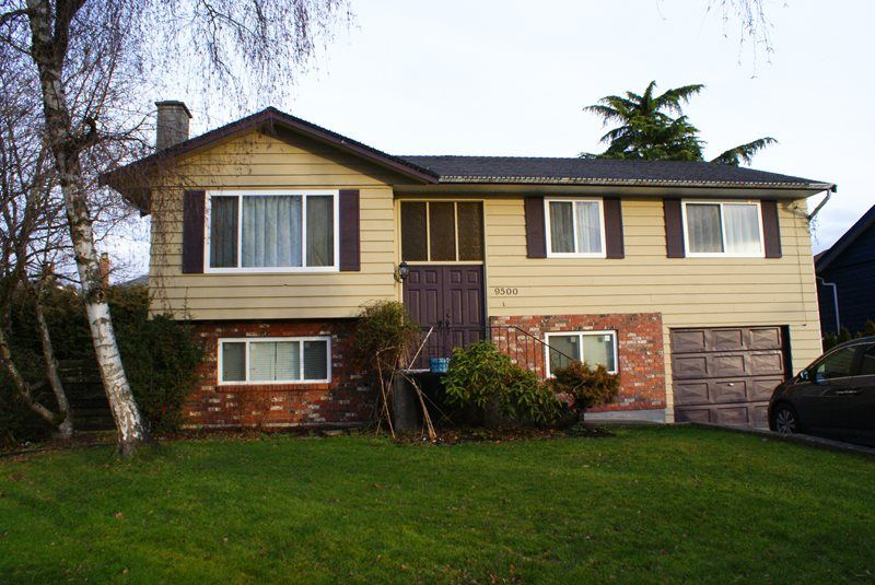 Main Photo: 9500 AQUILA ROAD in : McNair House for sale : MLS®# R2030062