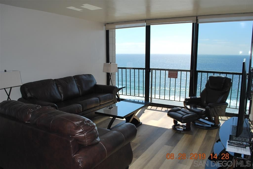 Photo 7: Photos: PACIFIC BEACH Condo for sale : 2 bedrooms : 4767 Ocean Blvd. #801 in San Diego