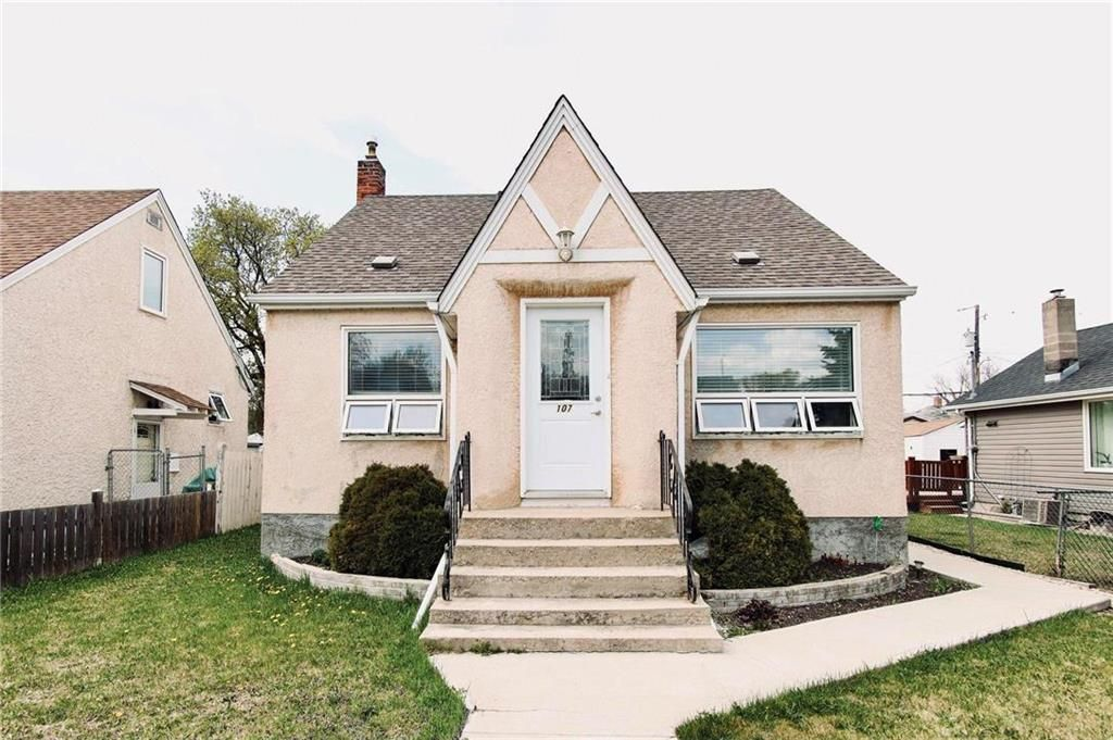 Main Photo: 107 Vivian Avenue in Winnipeg: St Vital Residential for sale (2D)  : MLS®# 202110705