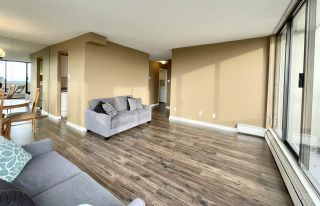 """Photo 5: 1904 4300 MAYBERRY Street in Burnaby: Metrotown Condo for sale in """"Times Square"""" (Burnaby South)  : MLS®# R2526993"""