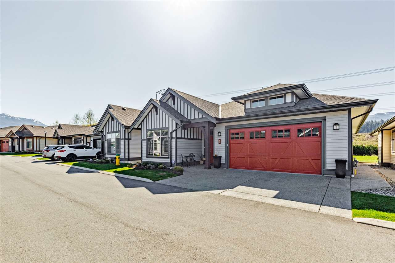 """Main Photo: 72 45900 SOUTH SUMAS Road in Chilliwack: Sardis West Vedder Rd House for sale in """"Evergreen at Ensley"""" (Sardis)  : MLS®# R2527100"""