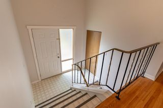 Photo 3: 4016 Vance Place NW in Calgary: Varsity Semi Detached for sale : MLS®# A1142052