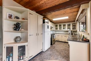 Photo 9: 315 BAYVIEW Place: Lions Bay House for sale (West Vancouver)  : MLS®# R2625303