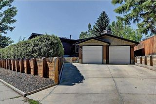 Photo 2: 6203 LEWIS Drive SW in Calgary: Lakeview House for sale : MLS®# C4128668