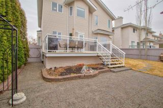 Photo 35: 649 Dalhousie Crescent in Edmonton: Zone 20 House for sale : MLS®# E4241363