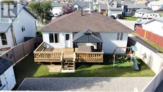 Photo 9: 152 MacKay Crescent in Hinton: House for sale : MLS®# A1108332