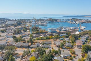 Photo 3: 855 Admirals Rd in : Es Esquimalt Full Duplex for sale (Esquimalt)  : MLS®# 886348