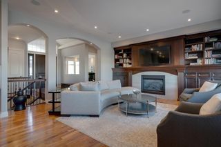 Photo 2: 2533 77 Street SW in Calgary: Springbank Hill Detached for sale : MLS®# A1065693