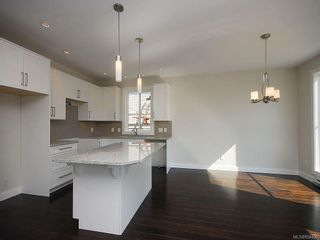 Photo 7: 845 Carrie St in : Es Old Esquimalt House for sale (Esquimalt)  : MLS®# 854430
