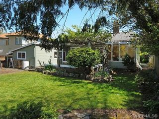 Photo 16: 2844 Wyndeatt Ave in VICTORIA: SW Gorge House for sale (Saanich West)  : MLS®# 699999