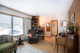 Photo 4: 700 Grierson Avenue in Winnipeg: Fort Richmond Single Family Detached for sale (1K)  : MLS®# 202103307