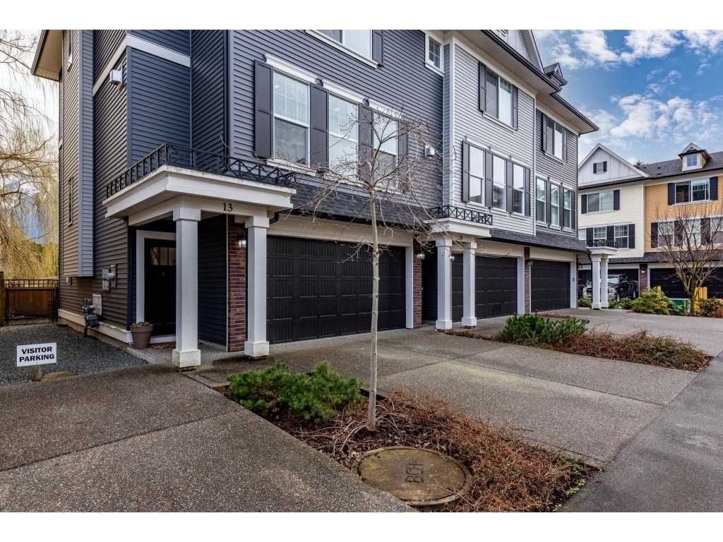 """Main Photo: 13 1640 MACKAY Crescent: Agassiz Townhouse for sale in """"The Langtry"""" : MLS®# R2554205"""