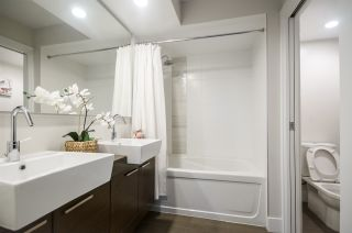 """Photo 11: 604 535 SMITHE Street in Vancouver: Downtown VW Condo for sale in """"DOLCE"""" (Vancouver West)  : MLS®# R2131310"""