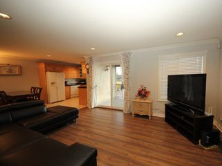 Photo 3: A 1042 CHARLAND Avenue in Coquitlam: Central Coquitlam 1/2 Duplex for sale : MLS®# R2257385