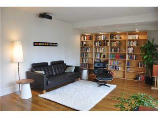 """Photo 2: 6 5565 OAK Street in Vancouver: Shaughnessy Condo for sale in """"SHAWNOAKS"""" (Vancouver West)  : MLS®# V946149"""