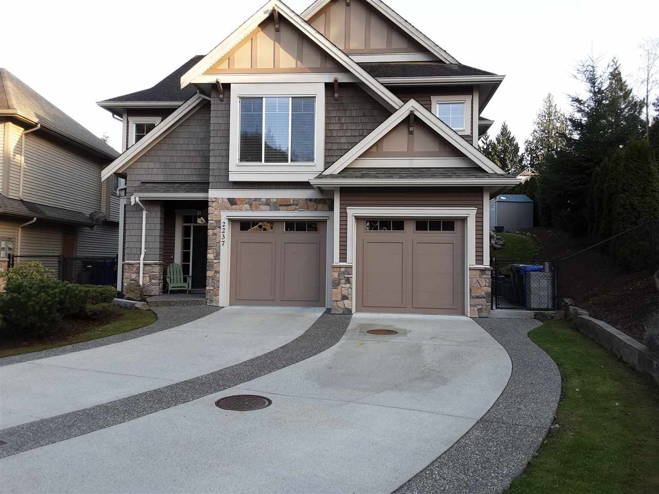"""Photo 2: Photos: 2237 CAMERON Crescent in Abbotsford: Abbotsford East House for sale in """"DEERWOOD ESTATES"""" : MLS®# R2562086"""