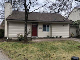 "Photo 1: 6169 W GREENSIDE Drive in Surrey: Cloverdale BC Townhouse for sale in ""Greenside"" (Cloverdale)  : MLS®# R2351893"