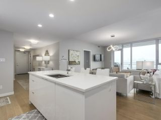 """Photo 8: 910 2888 CAMBIE Street in Vancouver: Fairview VW Condo for sale in """"The Spot"""" (Vancouver West)  : MLS®# R2343734"""