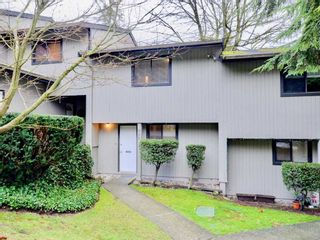"Photo 1: 868 BLACKSTOCK Road in Port Moody: North Shore Pt Moody Townhouse for sale in ""WOODSIDE VILLAGE"" : MLS®# R2232669"