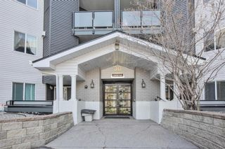 Photo 1: 412 30 Sierra Morena Mews SW in Calgary: Signal Hill Apartment for sale : MLS®# A1107918