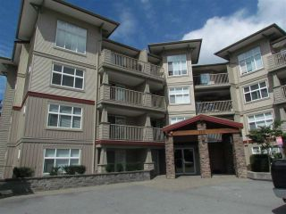 """Photo 1: 405 2515 PARK Drive in Abbotsford: Abbotsford East Condo for sale in """"VIVA ON PARK"""" : MLS®# R2463743"""