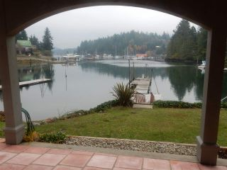 """Photo 16: 4457 FRANCIS PENINSULA Road in Madeira Park: Pender Harbour Egmont House for sale in """"Gerran's Bay"""" (Sunshine Coast)  : MLS®# R2009213"""