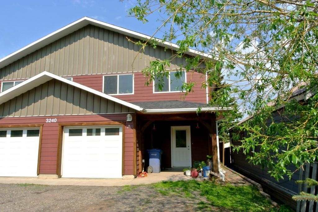 Main Photo: 3240 RAILWAY Avenue in Smithers: Smithers - Town 1/2 Duplex for sale (Smithers And Area (Zone 54))  : MLS®# R2373224
