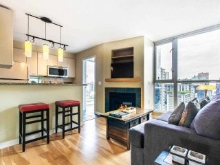"""Photo 15: 2605 1068 HORNBY Street in Vancouver: Downtown VW Condo for sale in """"THE CANADIAN AT WALL CENTRE"""" (Vancouver West)  : MLS®# R2585193"""