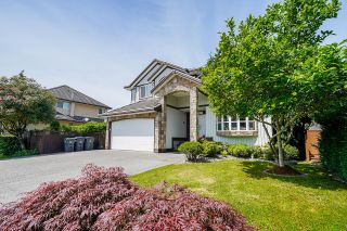 """Photo 2: 14519 74A Avenue in Surrey: East Newton House for sale in """"Chimney Heights"""" : MLS®# R2603143"""