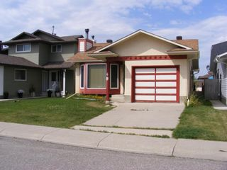 Photo 2: 48 CEDARGROVE Road SW in Calgary: Cedarbrae Detached for sale : MLS®# A1021175
