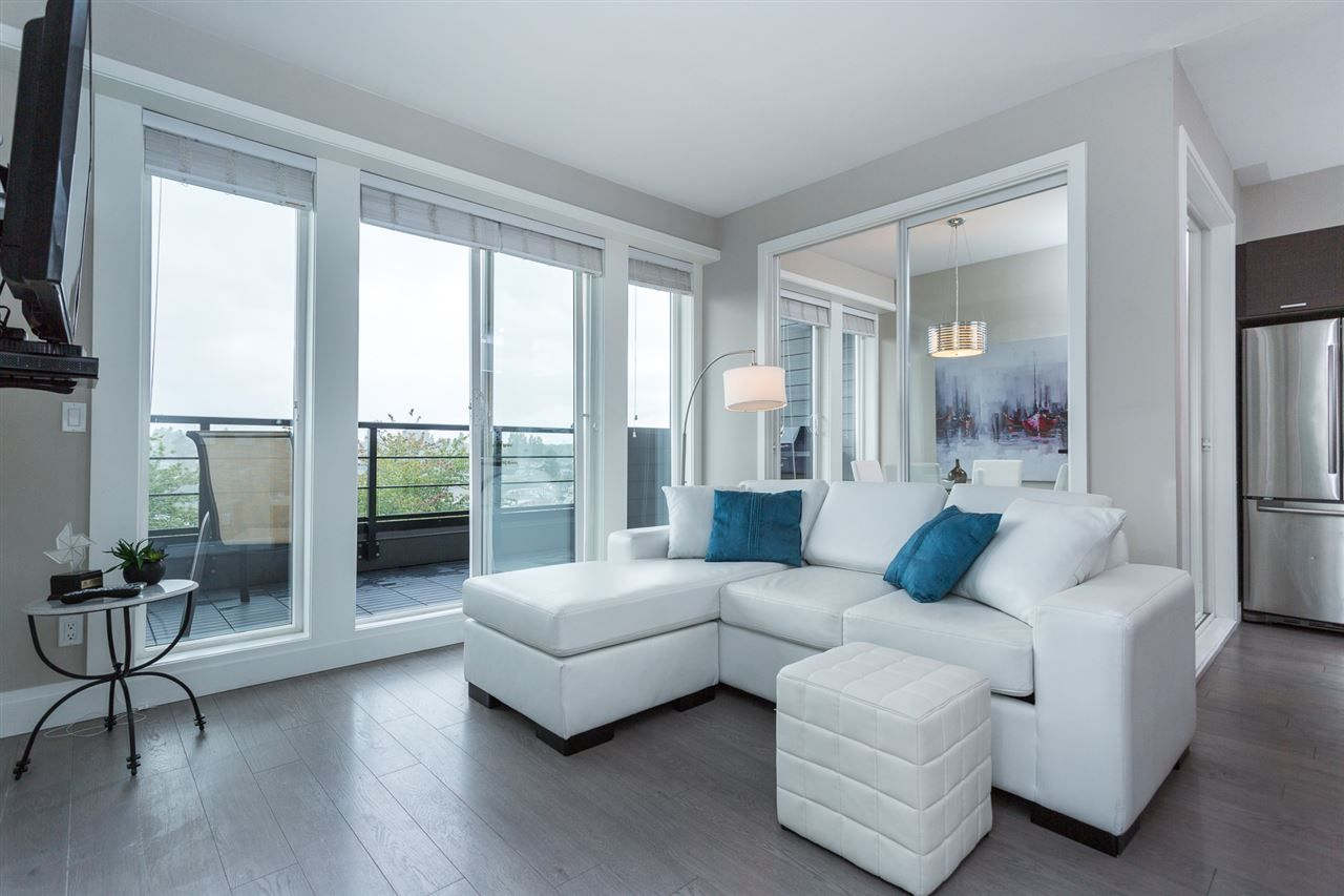 """Main Photo: PH1 4372 FRASER Street in Vancouver: Fraser VE Condo for sale in """"THE SHERIDAN"""" (Vancouver East)  : MLS®# R2082192"""