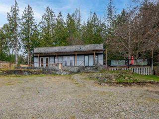 Photo 1: 4591 4581 FRANCIS PENINSULA Road in Sechelt: Pender Harbour Egmont House for sale (Sunshine Coast)  : MLS®# R2555672