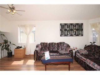 Photo 3: 191 APPLEGLEN Park SE in CALGARY: Applewood Residential Detached Single Family for sale (Calgary)  : MLS®# C3494274