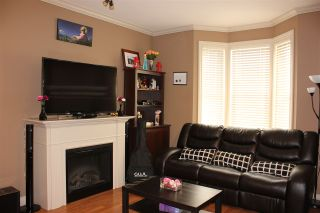 """Photo 4: 5 33321 GEORGE FERGUSON Way in Abbotsford: Central Abbotsford Townhouse for sale in """"Cedar Lane"""" : MLS®# R2323377"""