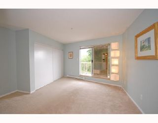 """Photo 4: 214 11595 FRASER Street in Maple Ridge: East Central Condo for sale in """"BRICKWOOD PLACE"""" : MLS®# V731501"""