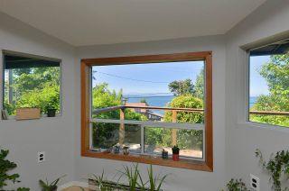 "Photo 6: 5273 LITTLE Lane in Sechelt: Sechelt District House for sale in ""SELMA PARK"" (Sunshine Coast)  : MLS®# R2582676"