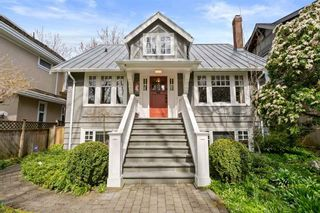 """Photo 1: 3811 W 26TH Avenue in Vancouver: Dunbar House for sale in """"DUNBAR"""" (Vancouver West)  : MLS®# R2559901"""