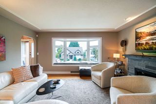 Photo 2: 910 KENT STREET in New Westminster: The Heights NW House for sale : MLS®# R2407320