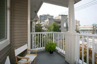 "Photo 14: 304 2588 ALDER Street in Vancouver: Fairview VW Condo for sale in ""BOLLERT PLACE"" (Vancouver West)  : MLS®# R2304230"
