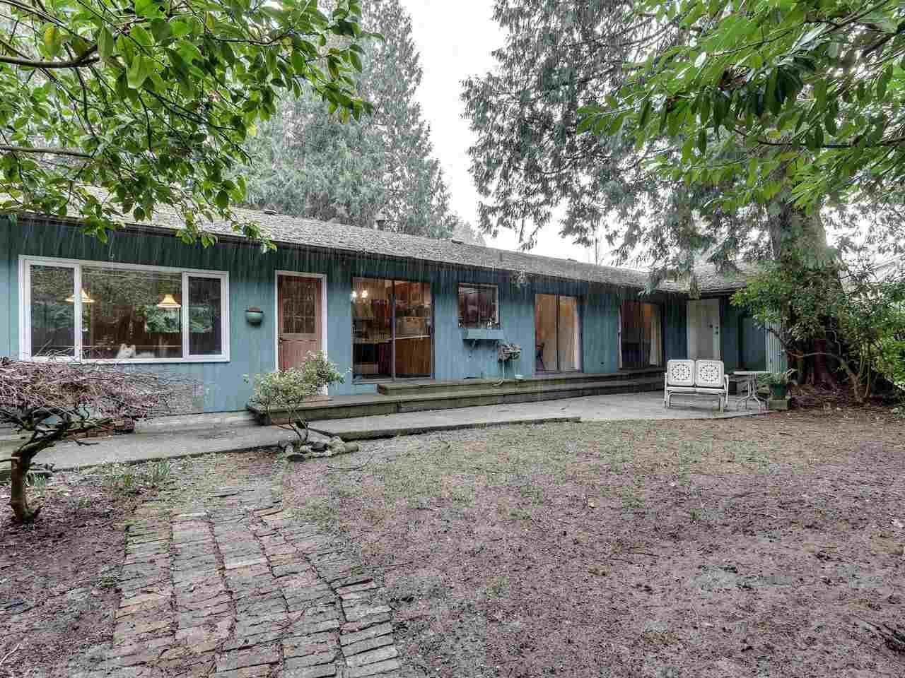 Main Photo: 909 SEYMOUR Boulevard in North Vancouver: Seymour NV House for sale : MLS®# R2541431